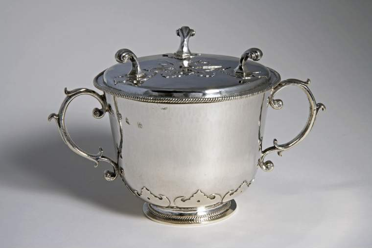 An image of Two handled cup with waiter-shaped cover