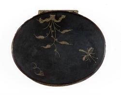 An image of Snuff box