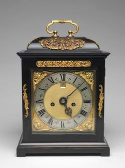 An image of Table clock