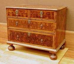 An image of Chest of drawers